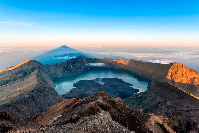 The Mount Rinjani is the second largest volcano in Indonesia.